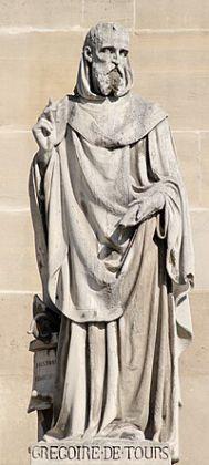 Saint du jour - Page 5 200px-Gregory_of_Tours_cour_Napoleon_Louvre