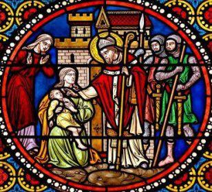 1er novembre : Saint Austremoine de Clermont  800px-Life_Saint-Austremoine_Issoire_middle
